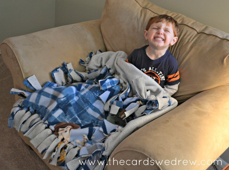 how to make a toy story fleece tied blanket from the cards we drew