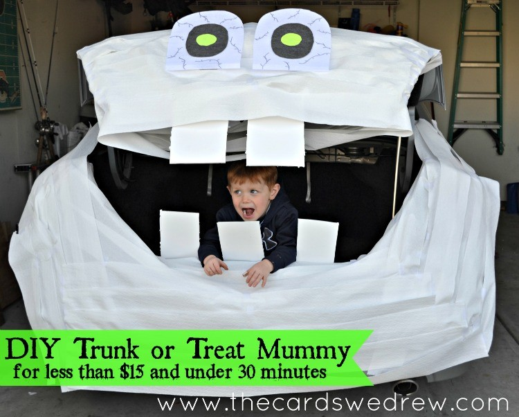 DIY Trunk or Treat Mummy for less than $15 and under 30 minutes