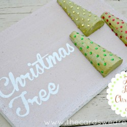 O' Christmas Tree Foam Faux Pallet Sign from The Cards We Drew Blog