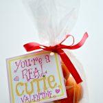 Clementine Valentine + Free Print {non-candy Valentine idea}