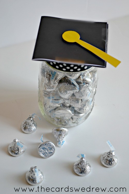 mason jar graduation gift idea with free print