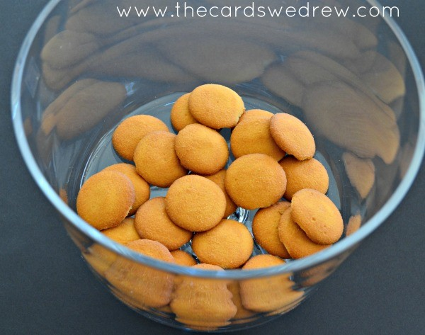 line bottom of the bowl with nilla wafers