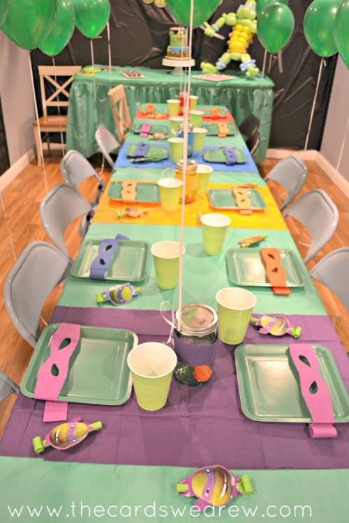 Ninja Turtle Birthday Party table