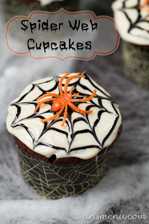 Spider-Web-Cupcakes.jpg