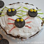 No Bake Spooky Spider Oreo Pudding Pie