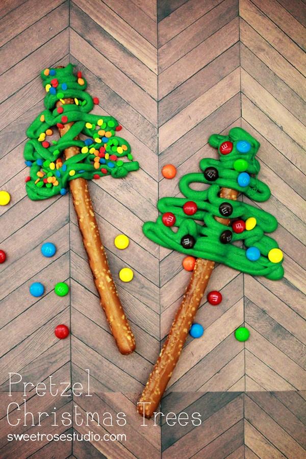 Pretzel-Christmas-Trees-at-Sweet-Rose-Studio