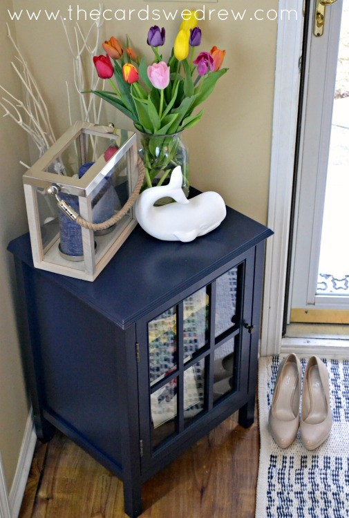 how to style a entry way table