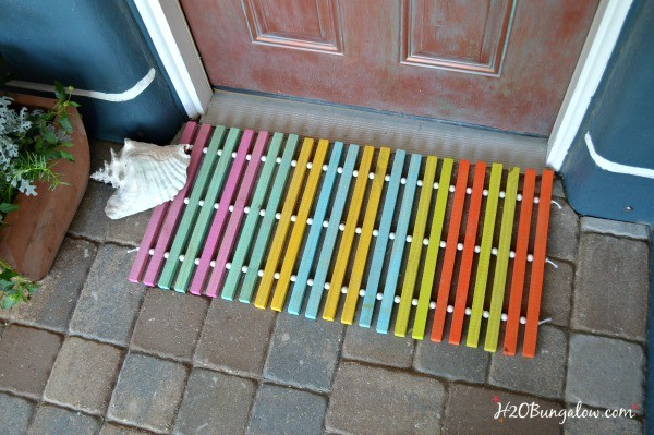 DIY-Summer-wood-slat-doormat-tutorial-by-H2OBungalow