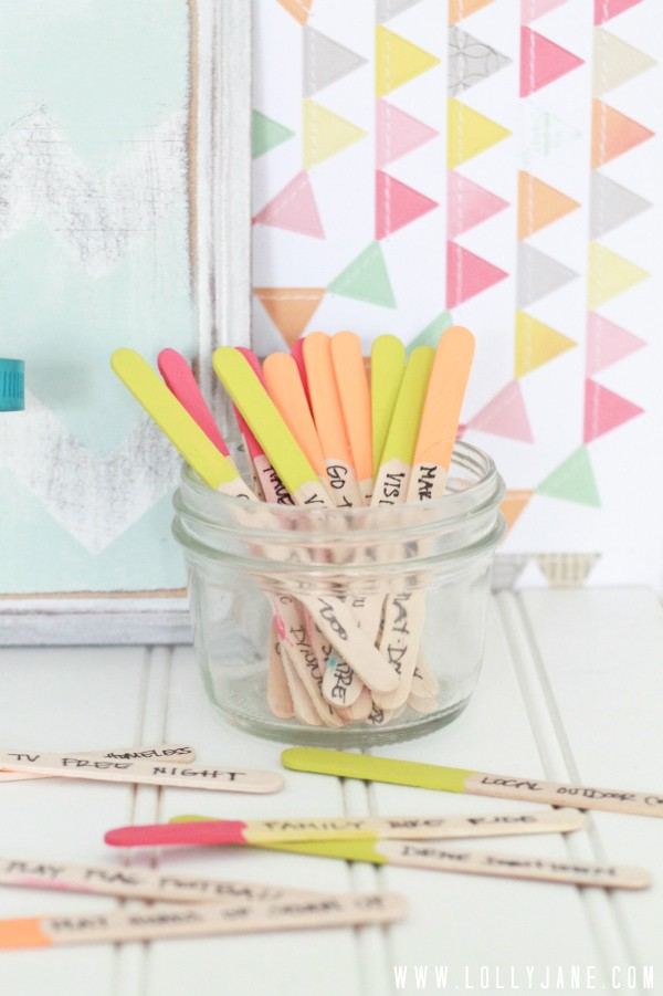 Summer-popsicle-stick-boredom-buster-jar