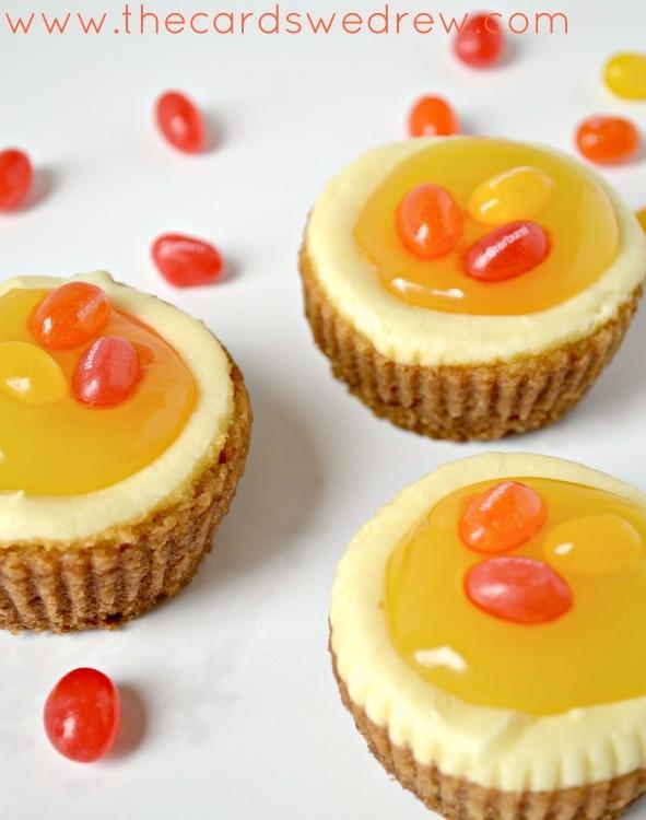 18 Sweet Lemon Desserts | www.thecardswedrew.com