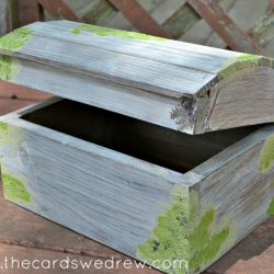 How to Get the Barnwood Look for Less {DIY Mossy Barnwood Chest}