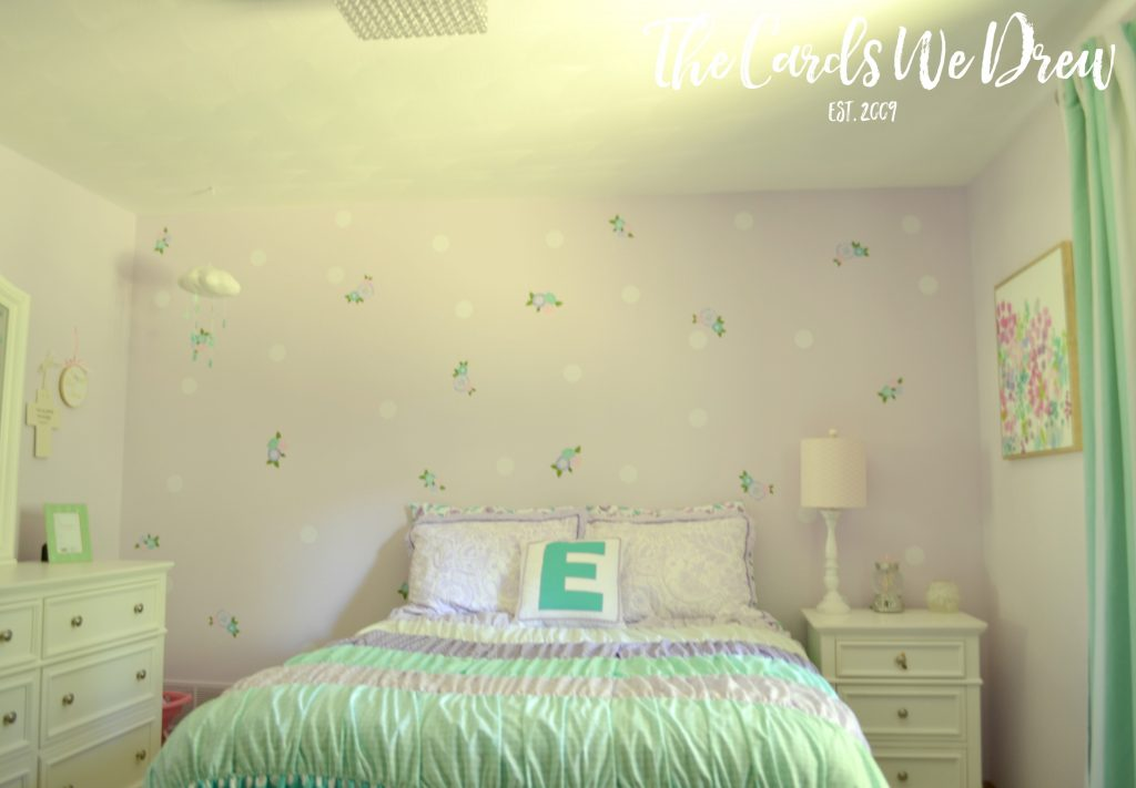 girls-polka-wall-treatment