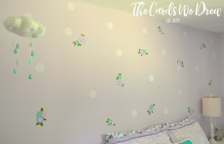 polka-dot-and-flower-wall-treatment