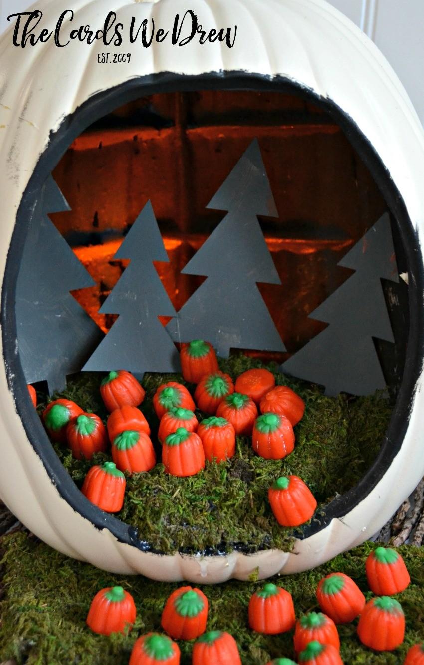 halloween-candy-pumpkin-patch-diorama