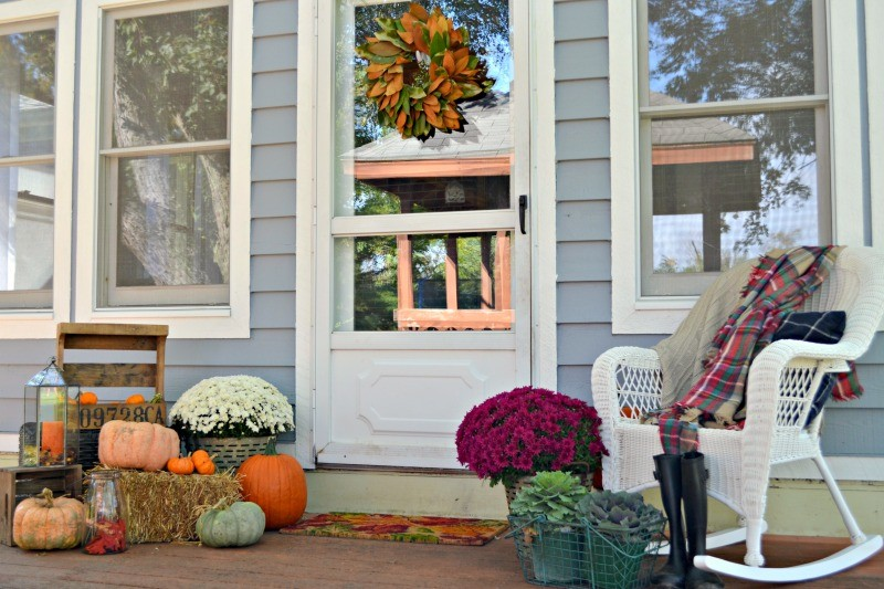 back-porch-fall-design