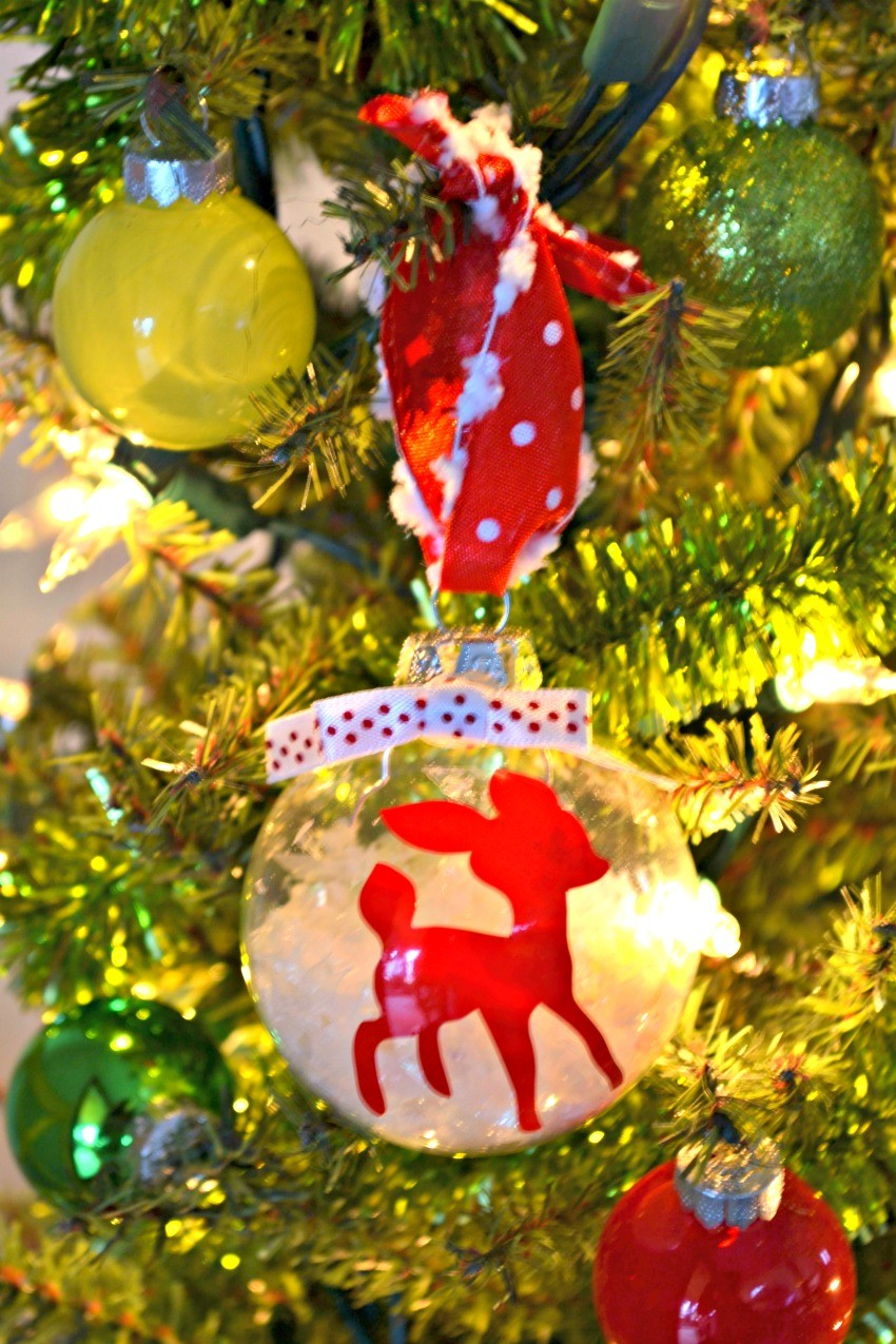 reindeer-christmas-ornament