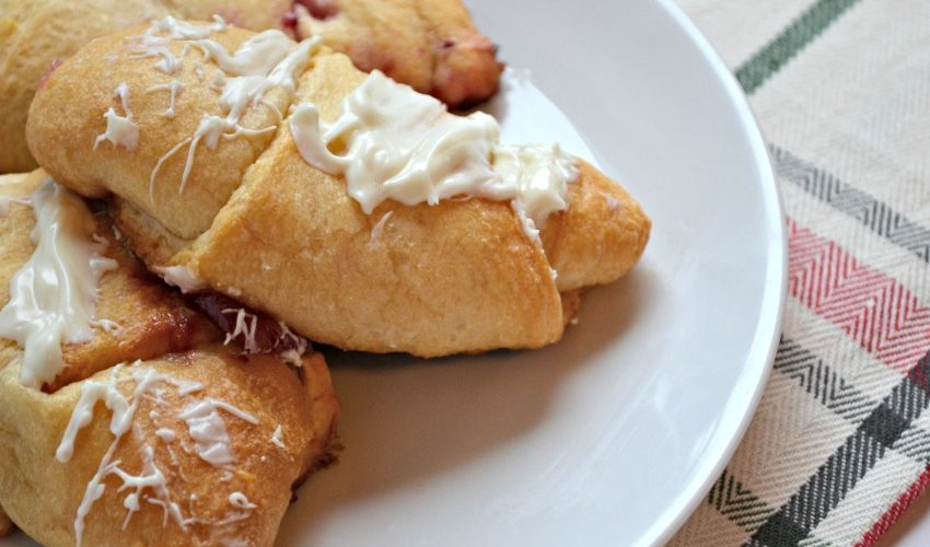 White Chocolate Cheesecake Cranberry Rollups