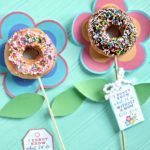 Mother's Day Flower Donut Bouquet {with Mother's Day printables}