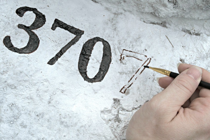 DIY Rock Address Sign