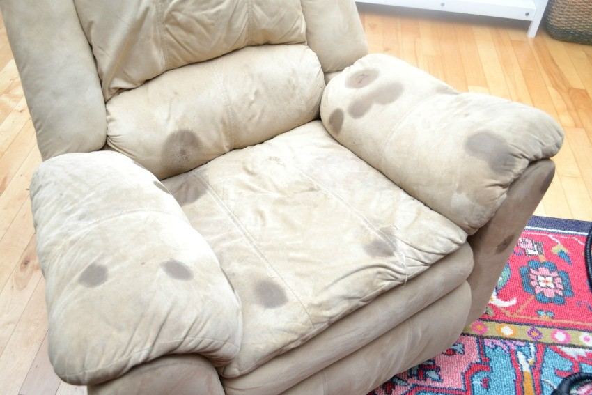 DIY Microfiber Couch cleaning