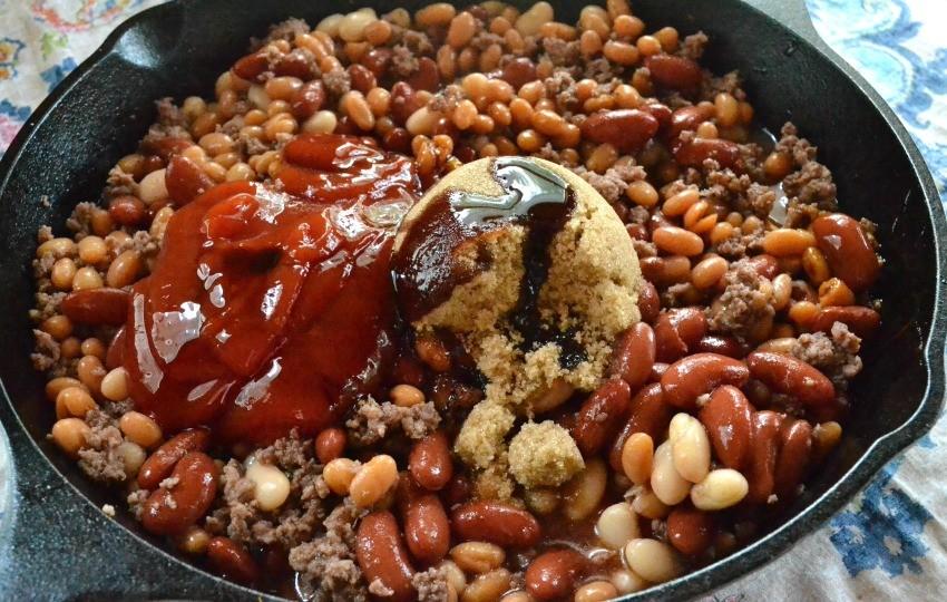 skillet cowboy baked beans