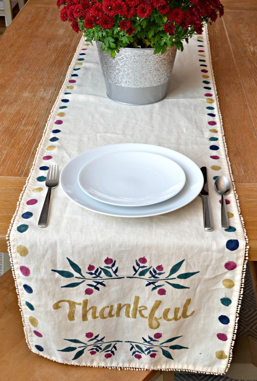 Thanksgiving Table Runner Tutorial