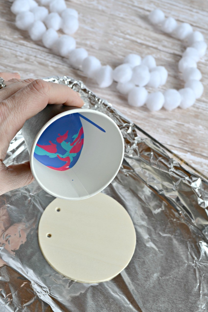 marbled christmas ornament tutorial