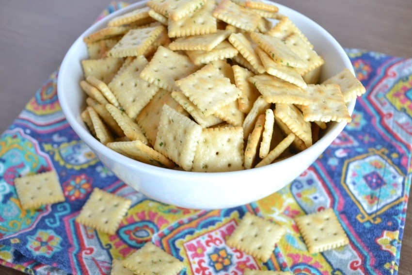 ranch crackers with melted butter