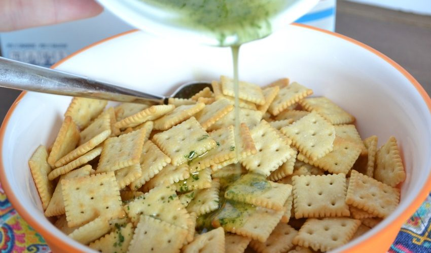 No Bake Ranch Saltine Crackers