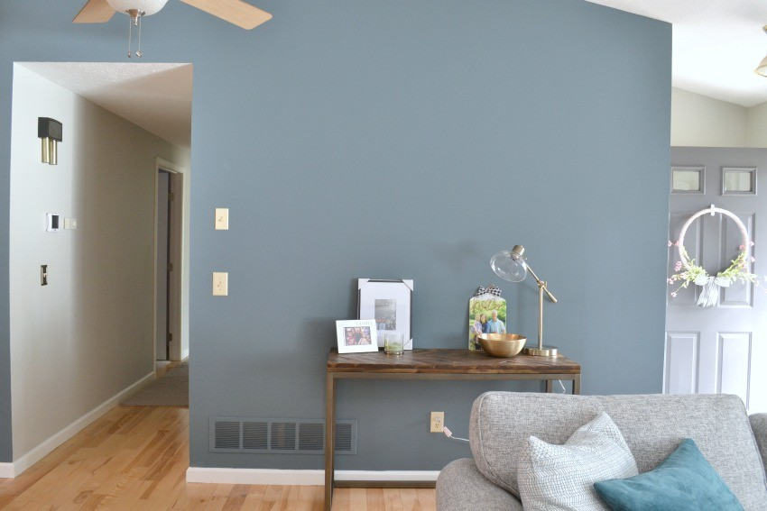 Accent Wall Ideas for the Living Room - The Cards We Drew