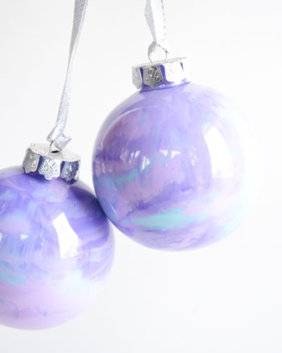 Holographic Marbled Ornaments-03