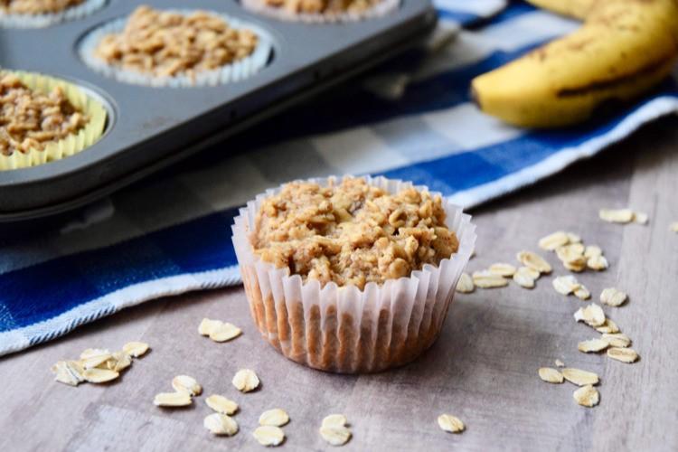 easy oatmeal banana muffins