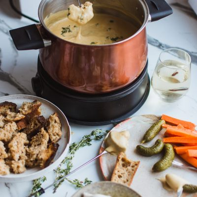 15 AMAZING Fondue Recipes for the Ultimate Evening In